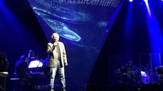 Crónica del concierto de Serrat en París: el azul del Mediterráneo a la ciudad de la luz