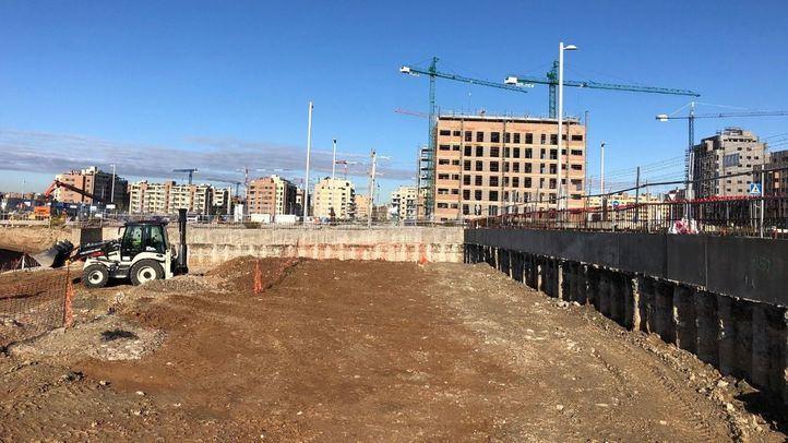Primeros trabajos de construcción en la parcela de la promoción Monier en El Cañaveral
