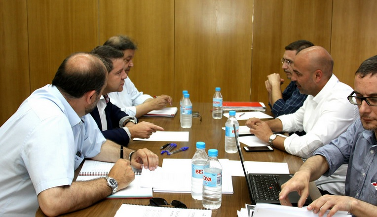 El acuerdo PSOE-Podemos para que Page sea presidente, más cerca