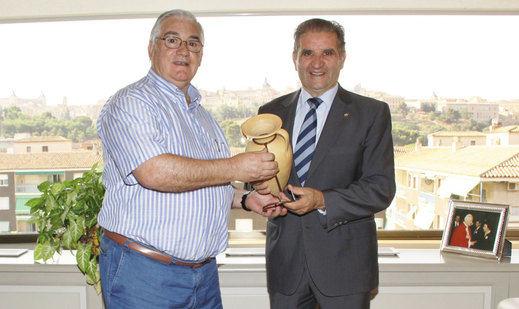 """El """"Trofeo Garnacha"""" premia a Caja Rural Castilla-La Mancha"""