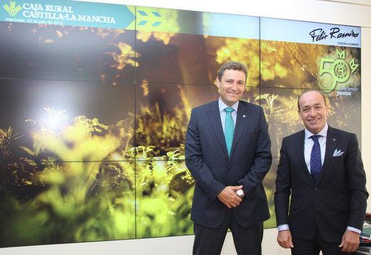 El director general de Caja Rural CLM apoya el espíritu emprendedor de Félix Ramiro