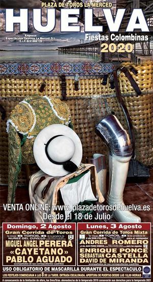 Las polémicas imágenes de la corrida en la plaza de toros de Huelva: masificación y sin distancias de seguridad