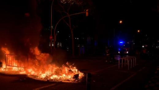 Fuertes protestas callejeras en Cataluña tras la inhabilitación de Torra