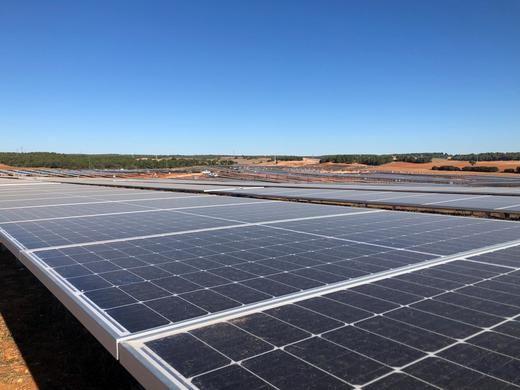 Iberdrola obtiene la DIA de la fotovoltaica de Puertollano que suministrará energía a la mayor planta de hidrógeno verde de Europa