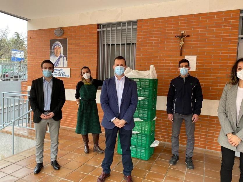Primera entrega de alimentos al Comedor Social Inmaculado Corazón de María por parte de Mercadona