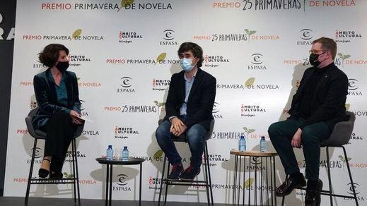 'Los ingratos' de Pedro Simón, Premio Primavera de Novela 2021
