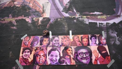 Almeida se compromete a restaurar la imagen original del mural feminista vandalizado en Ciudad Lineal