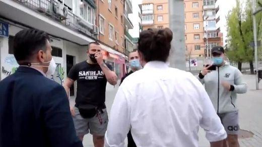 Iglesias se enfrenta a unos jóvenes neonazis en su primer día de campaña en Madrid