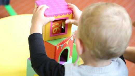 Los padres adoptivos tienden a ocultar o sobreexponer erróneamente la historia de adopción, según Recurra Ginso