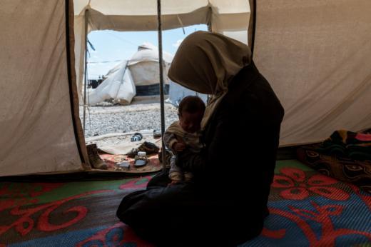 Abusos sexuales y campos de confinamiento en Irak para mujeres familiares de 'hipotéticos' miembros del Estado Islámico