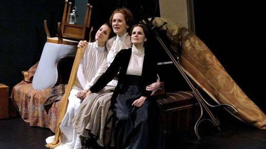 Tres Hermanas, de Chéjov, en adaptación de Juan Pastor