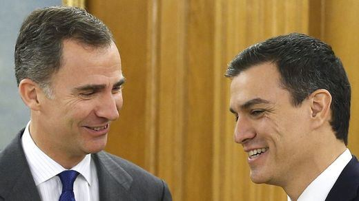 Sánchez no confirma todavía el pacto con Iglesias: da prioridad a ver morir a Rajoy en la plaza