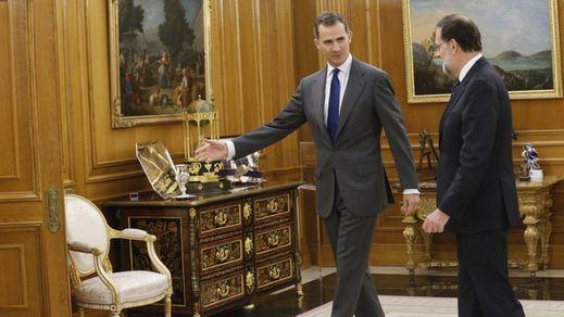 """Rajoy declina, de momento, someterse a la investidura y cede el paso """"a otros"""""""
