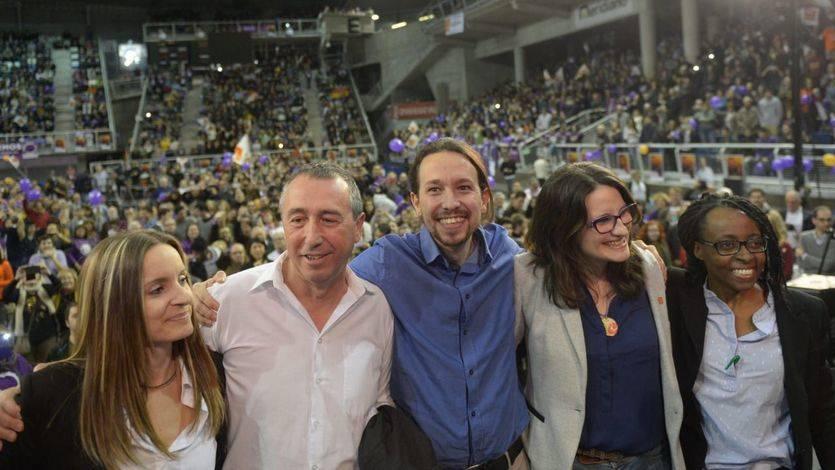 De izquierda a derecha: Ángela Ballester, Joan Baldoví, Pablo Iglesias, Mónica Oltra y Rita Bosaho durante la campaña del 20-D