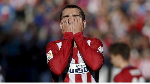 Un Sevilla vulgar se sale con la suya y deja sin liderato a un Atleti sin juego (0-0)