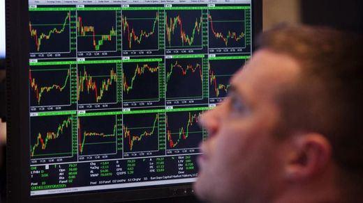 La Bolsa sube y la deuda se sigue colocando barata, a pesar de los malos augurios del PP