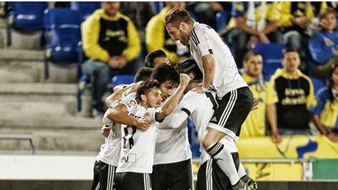 Valencia, que eliminó a Las Palmas, y Sevilla, al Mirandés, completan las semifinales de Copa