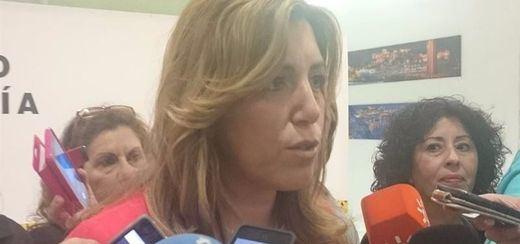 Una Susana Díaz muy discreta sale de la reunión en Ferraz dispuesta a