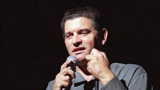 'Una vida de copla', el mejor título para el regreso de la voz eterna de Carlos Cano