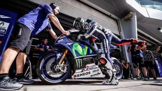 Lorenzo y Rossi empiezan 2016 mandando como en 2015