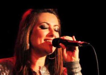 La polifacética voz de Natalia Vergara nos muestra la sencillez de la buena música