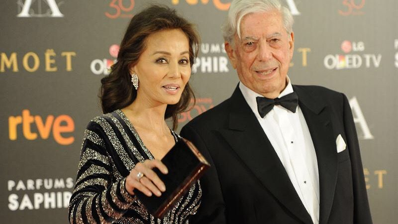 Isabel Preysler y Mario Vargas Llosa deslumbran en la gala de los Goya