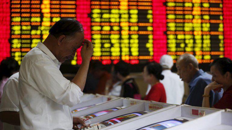 Alarma mundial en los mercados: tras el derrumbe en Europa, las bolsas asiáticas se hunden
