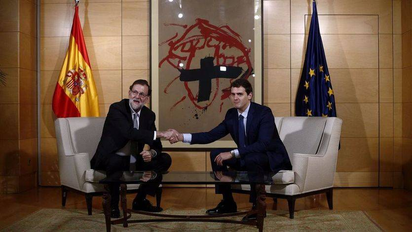 Rajoy y Rivera seguirán dialogando pese a no ponerse de acuerdo en quién debe liderar el Gobierno