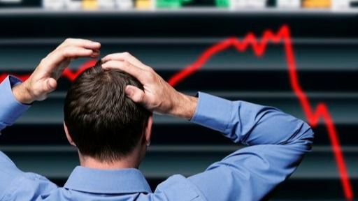 El Ibex cae cerca del 5% tras el 'espejismo' de la jornada anterior y vuelve a perder los 8.000