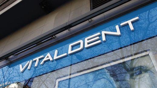 Los directivos de Vitaldent desviaban el dinero y lo reinvertían en artículos de lujo, coches y hasta un avión