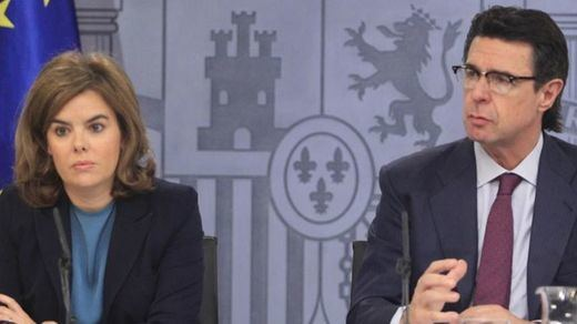 Así está la carrera por la sucesión de Rajoy en el PP: el sector conservador apoya a Soria; Génova quiere a Soraya
