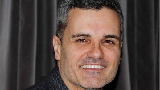 Carlos Montero, ganador del Premio Primavera de Novela por 'El desorden que dejas'