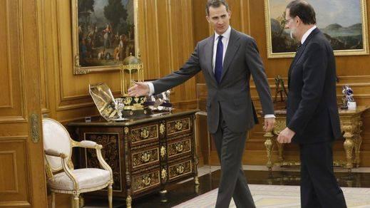 Rey Felipe VI con Rajoy