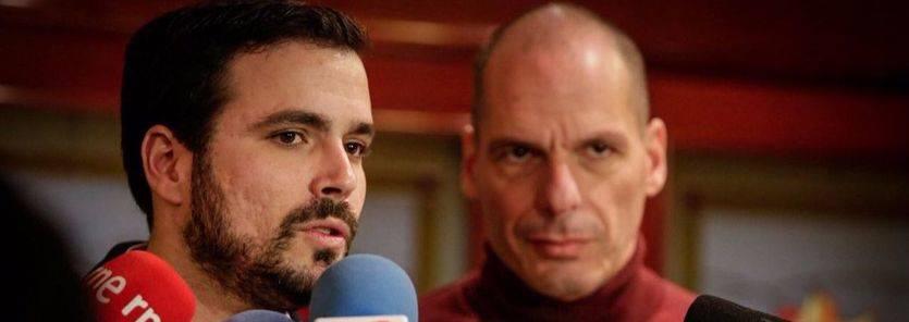Alberto Garzón y Yanis Varoufakis, este domingo en Madrid.