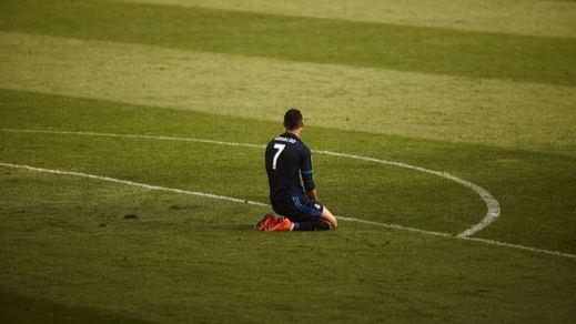 El Real de Zidane se ahoga en el Mediterráneo : empate en Malaga y adiós a la Liga (1-1)