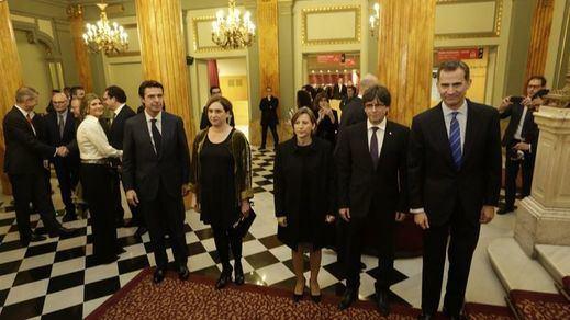 ¿La última cena?: el Rey coincidió por primera vez con Puigdemont en una cita llena de tensión