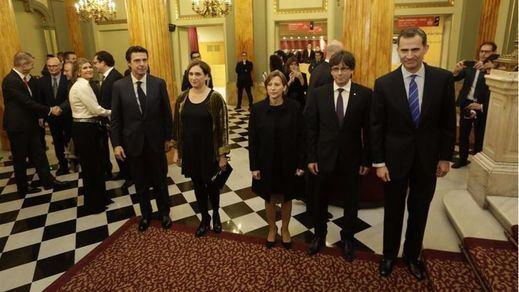 Encuentro forzado entre Felipe VI, Forcadel y Puigdemont en la cena previa al Mobile Wold Congress
