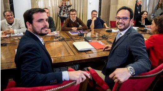 >> Los 'cuatro' de Garzón seguirán negociando mañana dado el