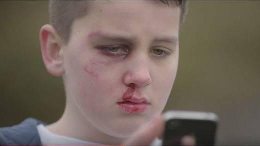 Un niño de 13 años denuncia las consecuencias del ciberacoso en un vídeo viral