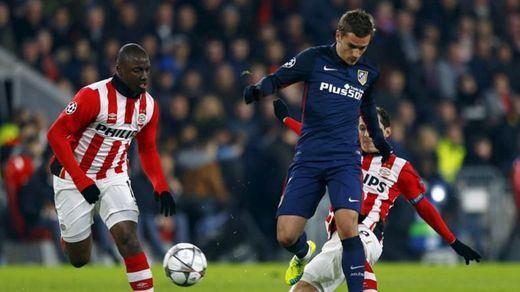 Champions: el Atleti torea pero no estoquea a un PSV con diez (0-0)