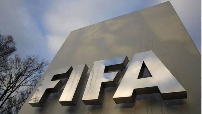La FIFA busca presidente y ser más