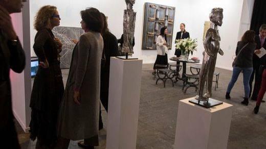 El Ministerio de Educación y el Museo Reina Sofía sacan la 'chequera' en ARCO