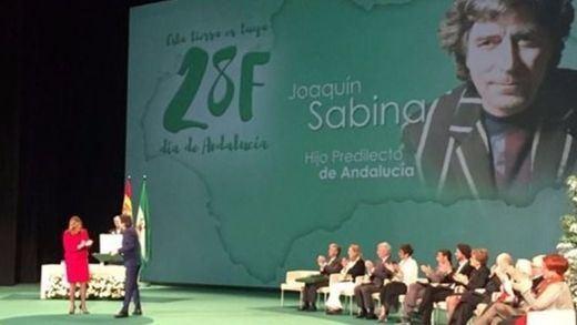 Sabina agradece en verso el título de Hijo 'pródigo' Predilecto de Andalucía