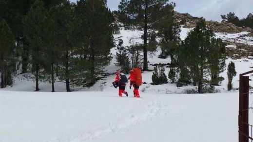 La nieve se cobra la vida de dos senderistas en Castellón y se busca a un desaparecido en la Sierra de Andújar (Jaén)