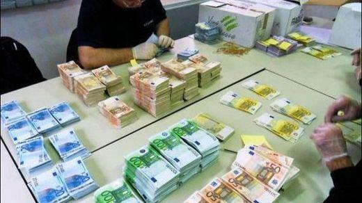 Los inversores sacaron de España en el diciembre electoral 13 veces más dinero que en el de 2014