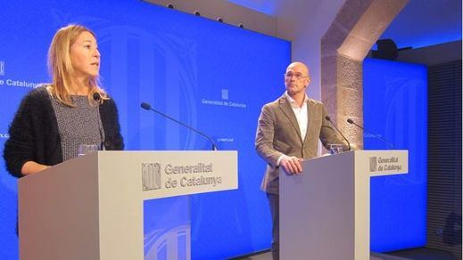 A la derecha, Raül Romeva, conseller de exteriores del Govern de la Generalitat
