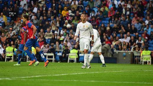 El colista Levante mide la crisis del Madrid de Zidane
