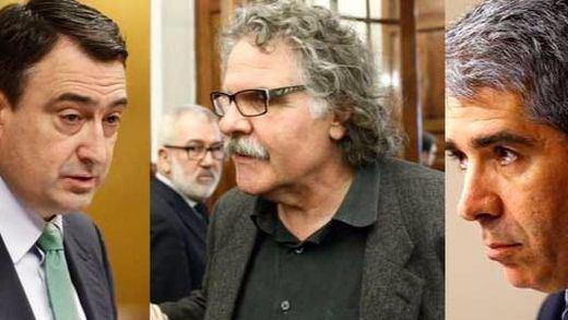 Independentistas catalanes y vascos reclaman el derecho a decidir y Sánchez replica enarbolando la Constitución