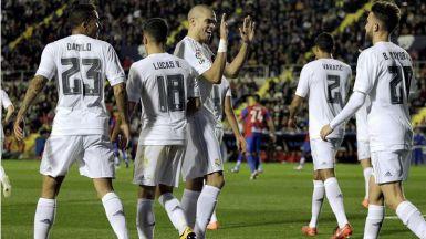 La pegada del Madrid le salva con dificultades en su visita al colista Levante (1-3)