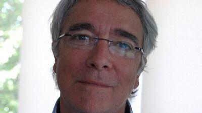 Diego Armario nos cuenta 'El Honor de los muertos', un apasionante relato de intriga